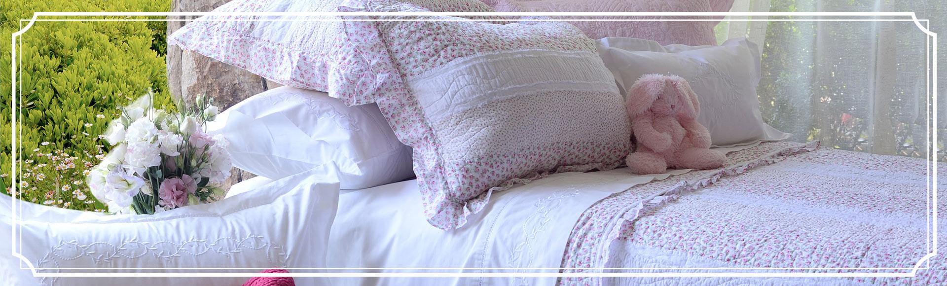 Cortinas para bebe nia el dormitorio en el que suean for Cortinas cortas baratas